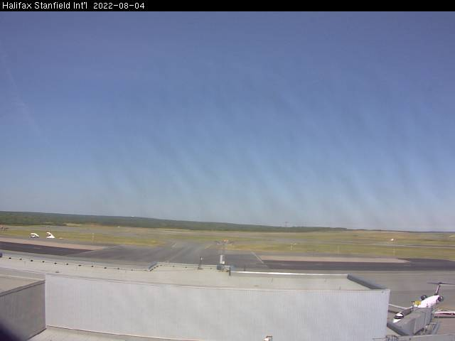 Webcam image of Airfield. Updated: 19:42 PM.